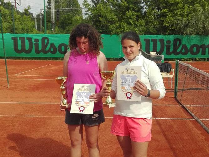Teniski Klub Dril Finalistkinje Anđela Ražnatović i Teodora Stefanović