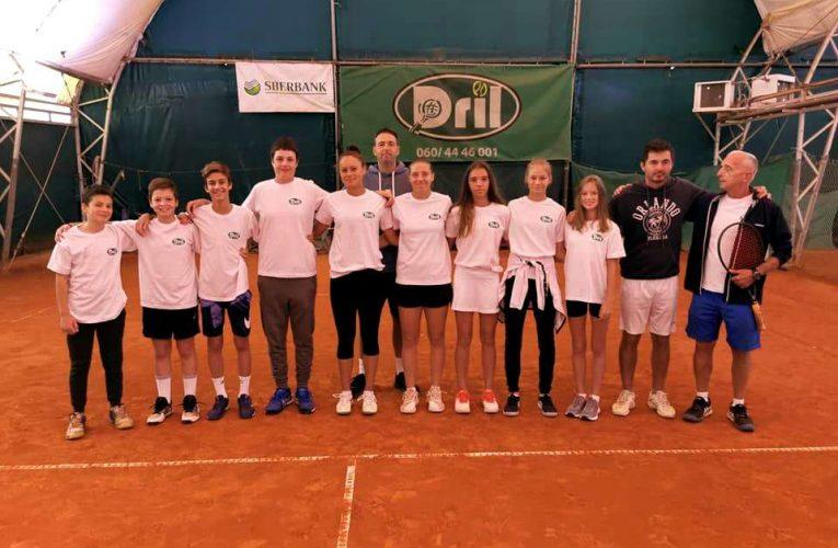 I devojčice i dečaci Drila u polufinalu ekipnog prvenstva Srbije do 14 godina.